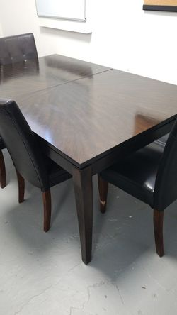 8' Beautiful Dining Table for Sale in Atlanta,  GA