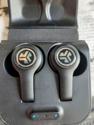 Jlab Bluetooth earbuds. for Sale in Knoxville, TN