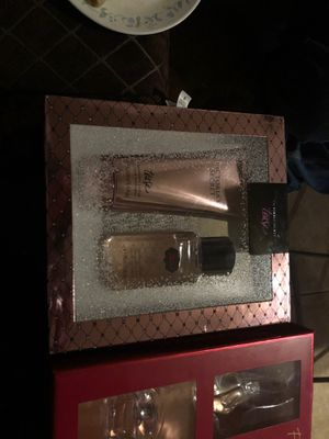 Tease Victoria secret gift box and Macy's fragrance sampler for Sale in Ontario, CA