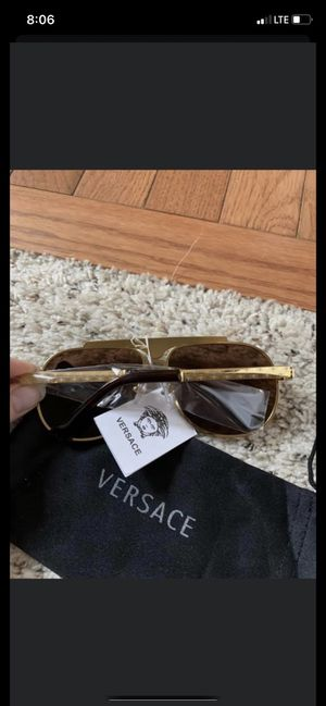 Sunglasses for Sale in Macomb, MI