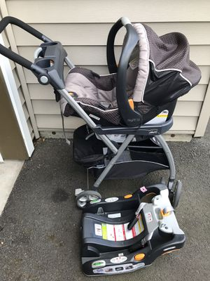 Chicco car seat with base and car seat frame for Sale in Aloha, OR