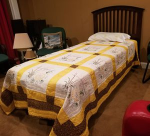 Twin Size Adjustable Bed for Sale in Lexington, SC