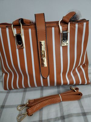 Leather handbbag for Sale in Baltimore, MD