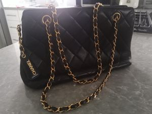 Authentic Vintage Chanel Leather Shoulder Bag for Sale in South San Francisco, CA
