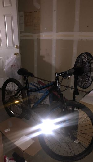 Mongoose Mountain Bike 26 Inch for Sale in Fresno, CA