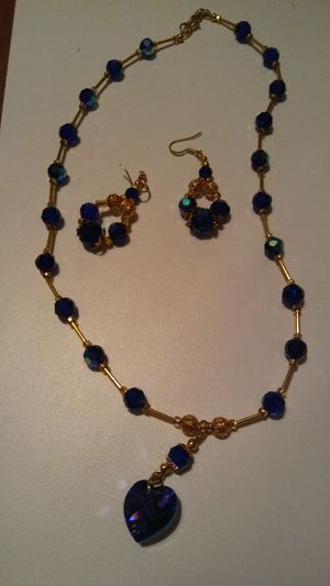 2 piece woman's necklace and earrings set for Sale in Cleveland, OH