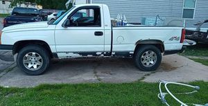 2003 Chevy Silverado 1500 4 by 4 short bed for Sale in Louisville, KY