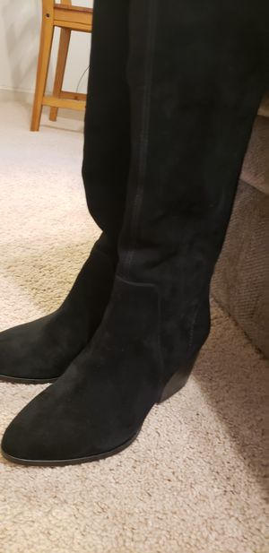 Vince Camuto suede boots for Sale in Anaheim, CA