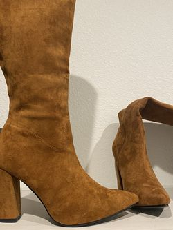 Brown Suede Boots for Sale in Las Vegas,  NV