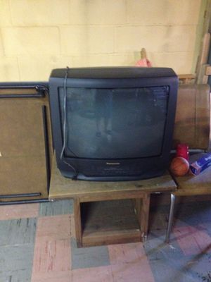 Television and table set for Sale in Pittsburgh, PA