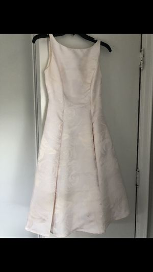 Short dress off white for Sale in Dearborn Heights, MI