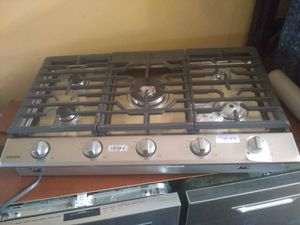 Samsung stainless steel wifi compatible 5 burner Cook top home and kitchen appliances for Sale in Inglewood, CA