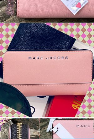 100% Authentic Marc Jacobs Continental zippered wallet/clutch. for Sale in Irving, TX