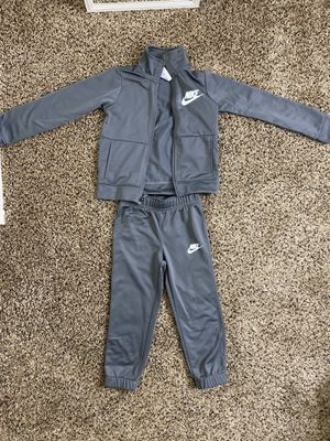 Nike tracksuit gray size 4t for Sale in Federal Way, WA