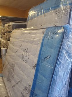 full mattress with boxspring for Sale in Irvine,  CA