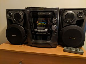 Panasonic 5 CD stereo system with dual tape deck for Sale in Clifton, NJ