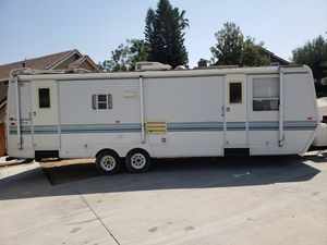 1997 Sunnybrook travel trailer for Sale in Moreno Valley, CA