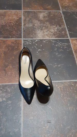 Michael kors heels size 6M for Sale in Bakersfield, CA