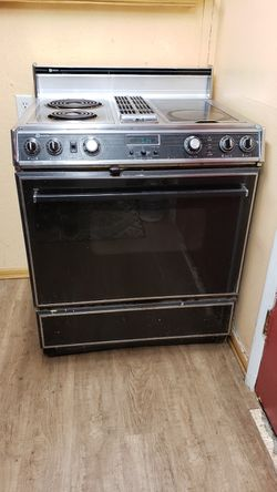 Maytag Jenair, Top Of The Line Range/oven for Sale in Kennewick,  WA