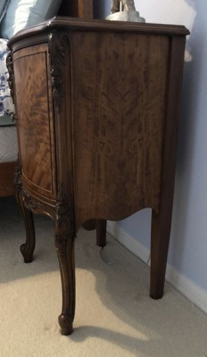 Antique bedside table. Refinished. Perfect condition for Sale in Lutz, FL