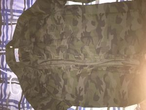 Button up Camo shirt size Small for Sale in Chula Vista, CA