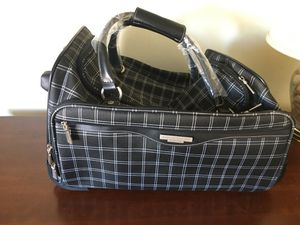 "New 22"" Rolling Duffel Bag American Tourister for Sale in Huntington Beach, CA"