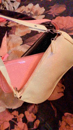Cute plain & simple Women's handbags for Sale in Orlando, FL