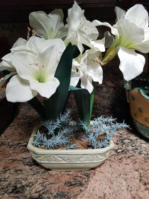 Artificial Flowers in planter vase for Sale in Davie, FL
