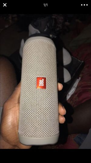 Jbl flip 4 for Sale in Suffolk, VA