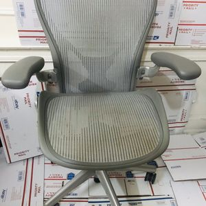 Herman Miller Classic Aeron Size C Fully Loaded Ergonomic Office Gaming Chair for Sale in Brooklyn, NY
