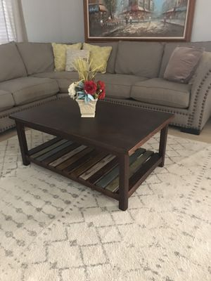 Gorgeous modern coffee table for Sale in Peoria, AZ
