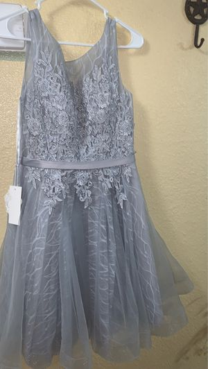 Grey quince dama dresses brand new for Sale in Phoenix, AZ