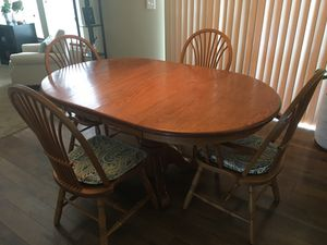 Amish Oak Kitchen table for Sale in Cleveland, OH