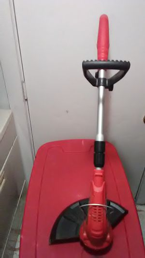 Electric weed eater been used twice like new asking 20 it works excellent for Sale in Amarillo, TX