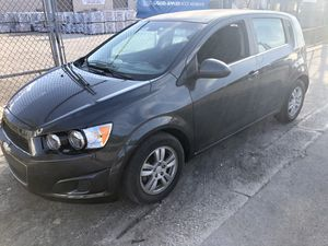 Chevy sonic 2014 for Sale in Hialeah, FL