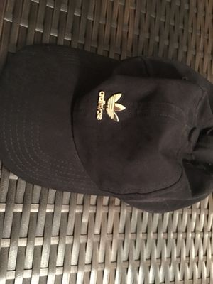 Adidas women's hat for Sale in Tampa, FL