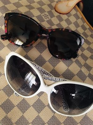 Bundle 2 coach sunglasses and Ralf Lauren used for Sale in Bradenton, FL