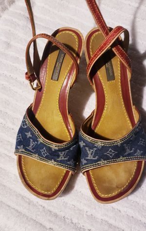 Louis Vuitton Sandals for Sale in Seattle, WA
