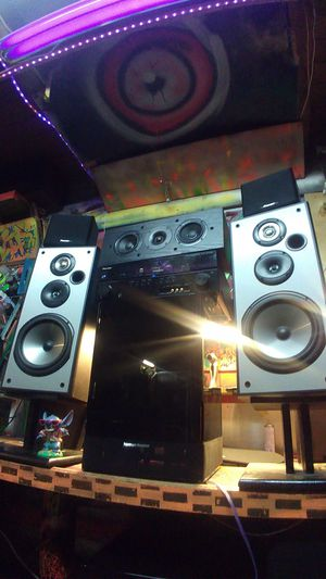 Pioneer 5.1 surround sound system with 5 pioneer speakers and reciever an HK powered subwoofer for Sale in Federal Way, WA