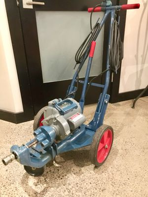 Electric Eel model C B auger drain snake pipe sewer cleaner w 58ft of cable for Sale in St. Louis, MO