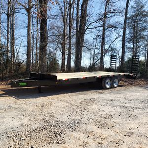 Haul'n Trailers 8ftx24ft deckover for Sale in Cary, NC