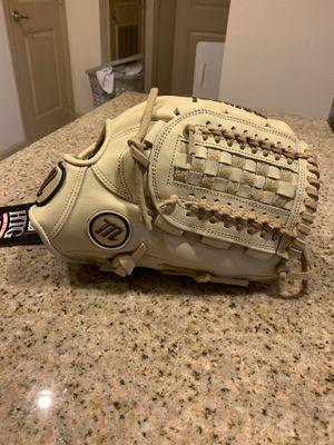"Marucci baseball glove HTG 12"" for Sale in Pembroke Pines, FL"
