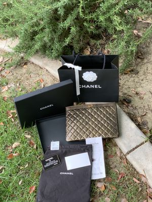 NEW CHANEL BIG CLUCH I COMES WHIT DUST BAG BOX AND ORIGINAL RECEIPT ONLY MESAGE IF YOY INTEREST for Sale in Fresno, CA