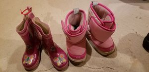 Girl snow boots and rain boots size 7 for Sale in Ypsilanti, MI