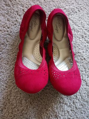 Shoes size 7 for Sale in Dallas, TX