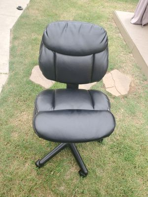 office chair for Sale in Colton, CA