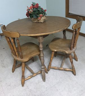 Wood Round Dining Room table with 2 chairs for Sale in West Monroe, LA