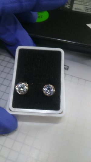 .925 silver earrings for Sale in Chicago, IL