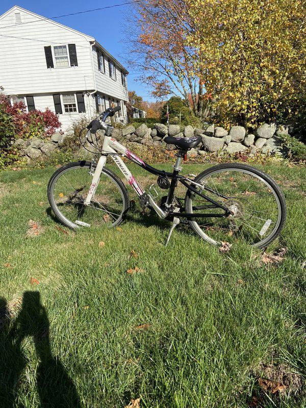 """Specialized HoTRocks girls bike - 24"""""""