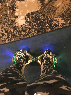 Hoverboard (Electric scooter) for Sale in Chicago, IL